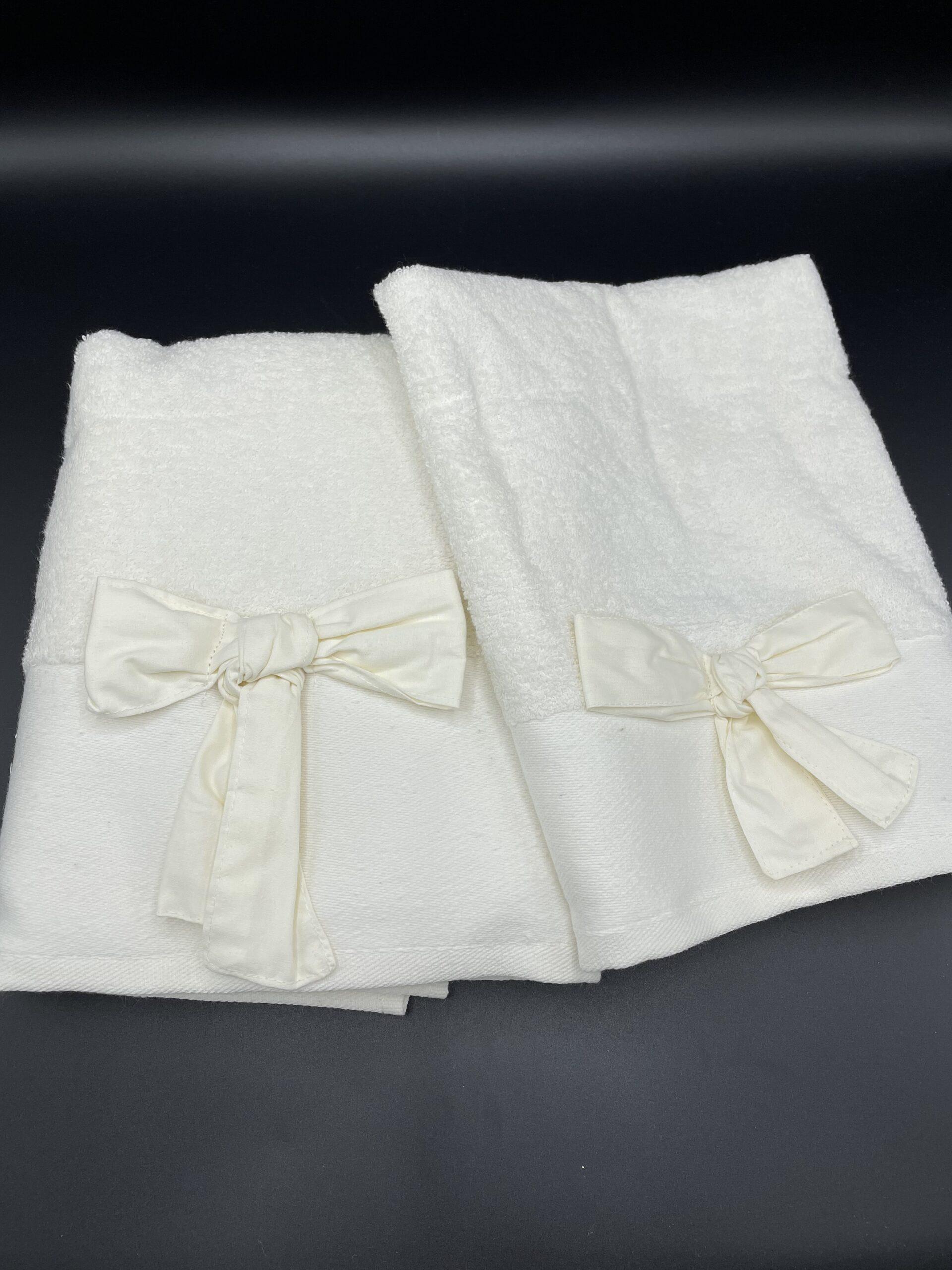 Asciugamani fiocco avorio